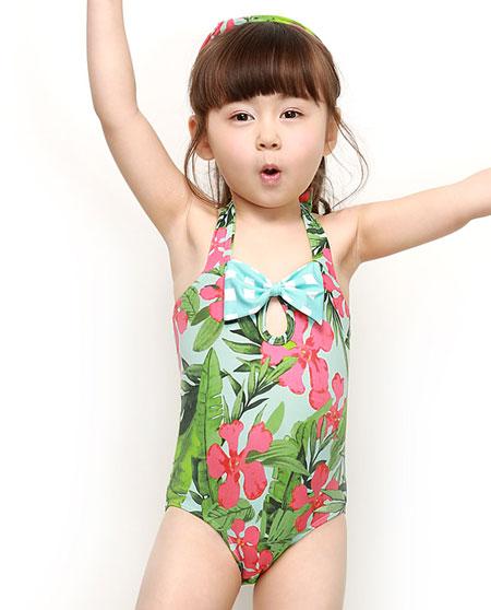 爱慕儿童水墨牛仔-女孩分体带帽泳装ak167732